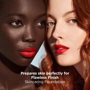 Prepares skin perfectly for Flawless Finish Skincaring Foundation